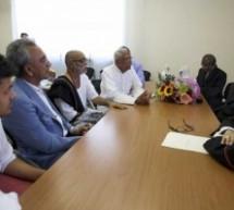 El cardenal Tauran se reúne con una delegación Hindú: promover el diálogo interreligioso para superar la pobreza y la injusticia.