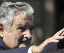 """José Mujica niega ser """"el presidente más pobre del mundo"""""""