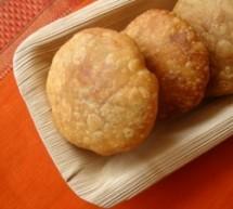 Khasta Kachori: Bocaditos Fritos de Masa y Porotos Mung