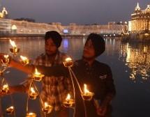 VIDEO: Salutación de la Orden de monjes Dominicos por Diwali