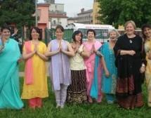 Los devotos de ISKCON presentan la Cultura Vaishnava en las Escuelas de Italia