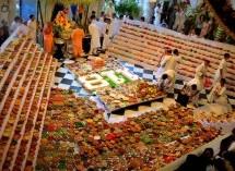 FOTO NOTICIAS: 1008 preparaciones para Srila Prabhupada en ISKCON Juhu