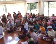 Curso de Comunicaciones en Nova Gokula, Brasil
