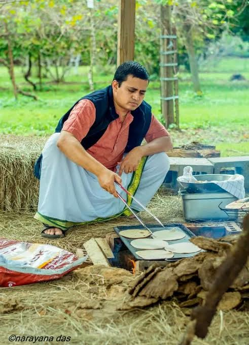 Cooking chapatis over a cow dung fire