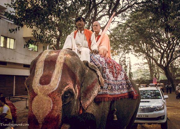 Indradyumna swami en parikram