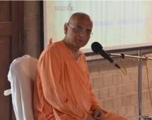Colegio GBC, Día Dos, Cercano y Personal con Giriraja Swami y Bhakti Charu Swami