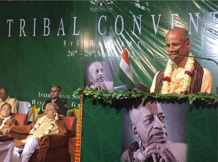 Bhakti Purusottama Swami da su discurso de toma de posesión