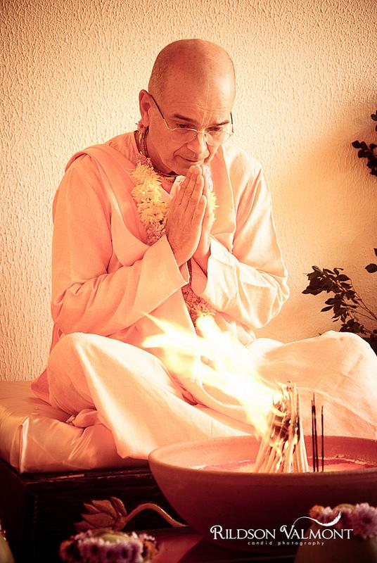 Su Santidad Danvantari Swami